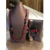 Collana composta da gocce sfaccettate di agata rosso rubino